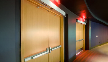 Противопожарные деревянные двери