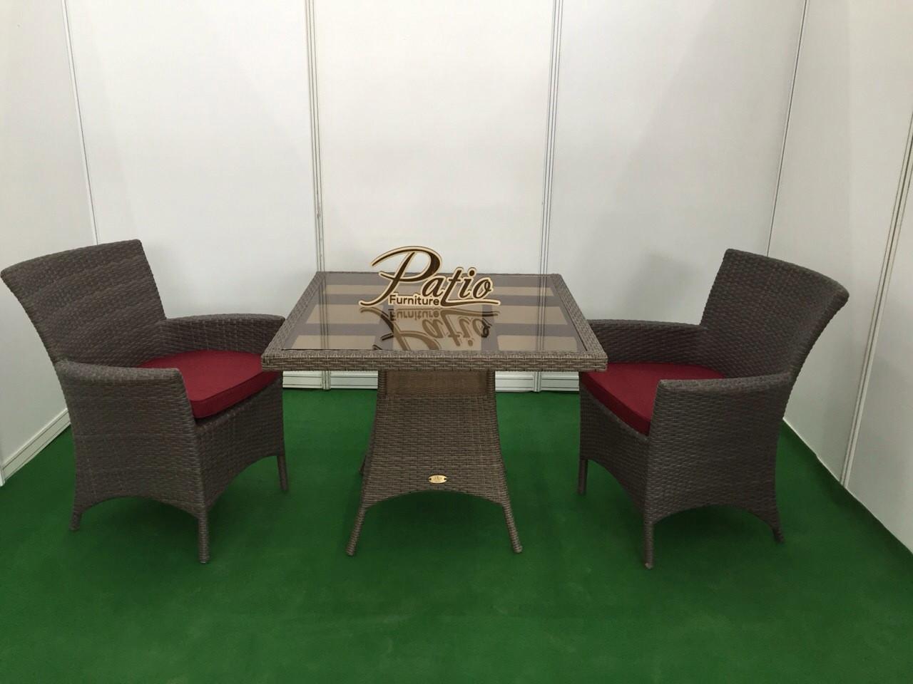 Комплект для отдыха из ротанга Patio Furniture Лион с квадратным столом